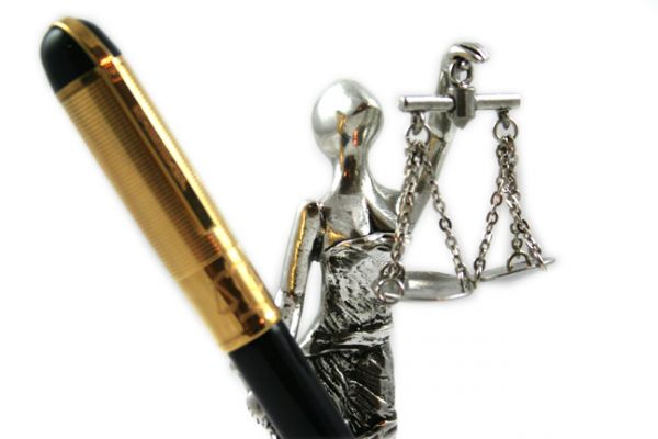 """Jac Zagoory """"Scales of Justice"""" Pen Holder"""