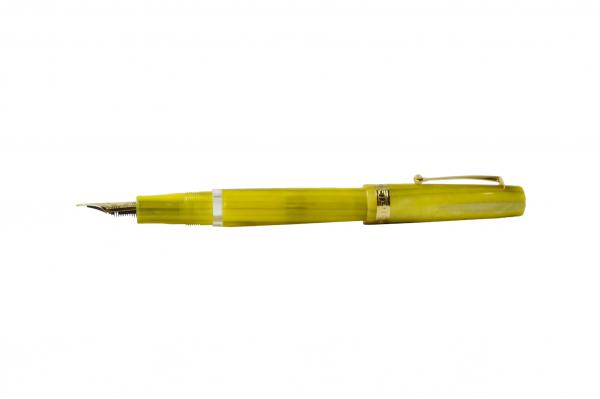 Armando Simoni Club - Studio Fountain Pen - Pinnacle Yellow