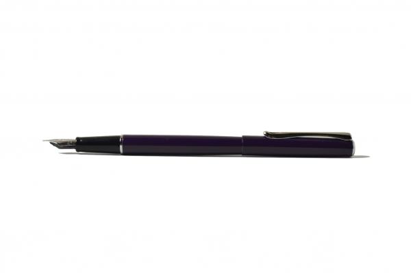 Diplomat Traveller Deep Purple Fountain Pen